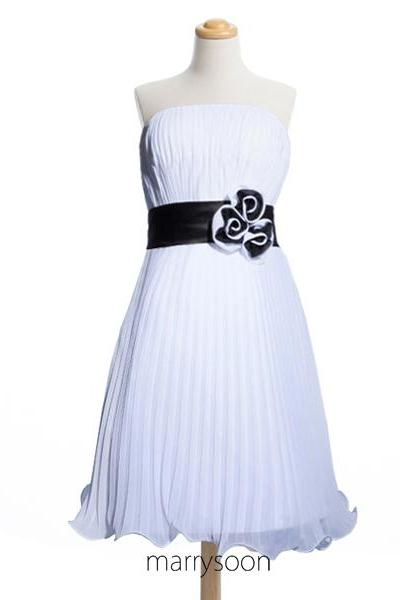 Black And White Chiffon Short Bridesmaid Dresses, Pleated Knee Length Bridesmaid Gown With Hand Made Flower MD042